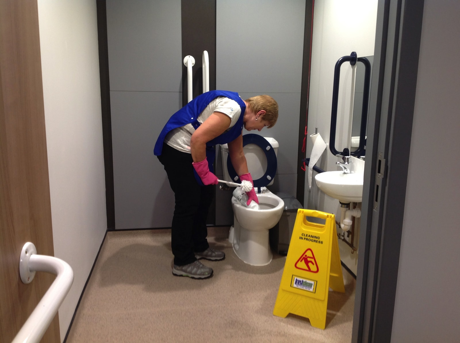 trustclean_contract_cleaning_7