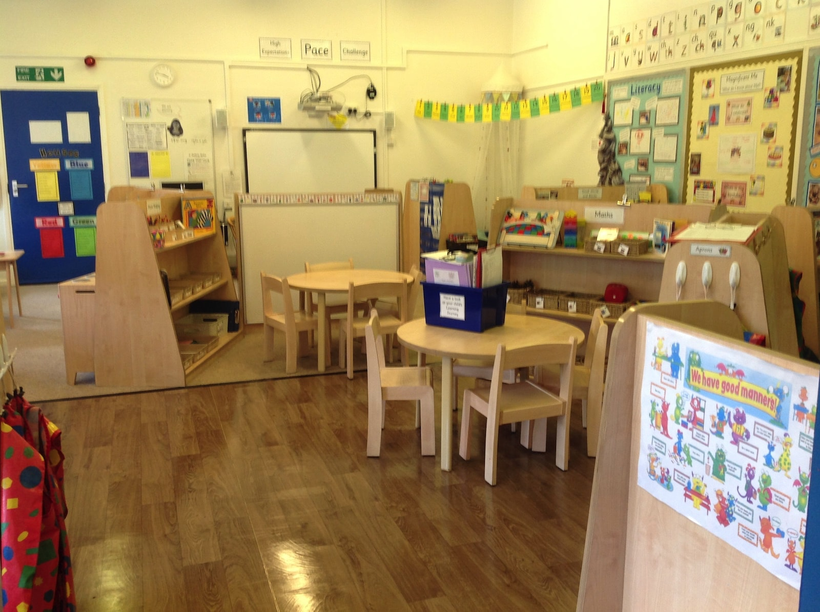trustclean_contract_cleaning_school_29